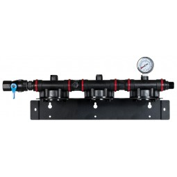 Triple stage manifold with gauge